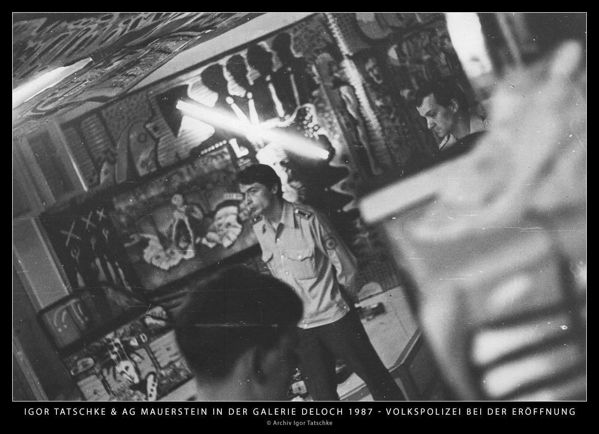 Igor Tatschke und AG Mauerstein in der Galerie Jörg Deloch